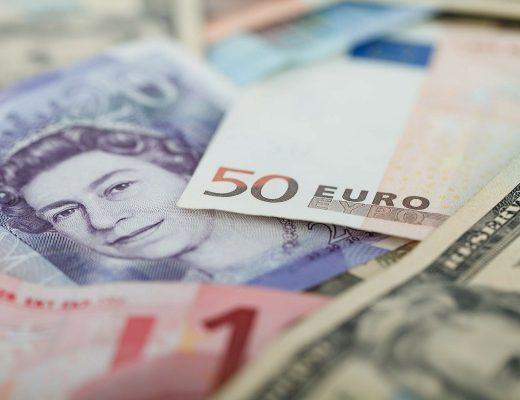 Jaką walutę zabrać do Turcji – euro czy dolar?