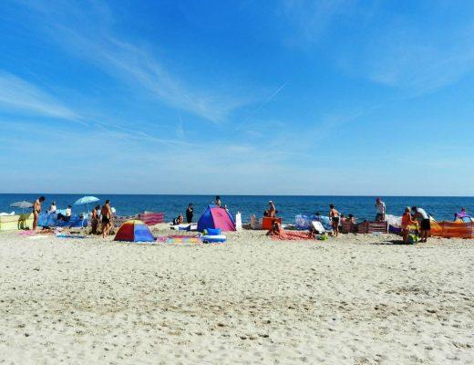 Jak schować wartościowe rzeczy na plaży?